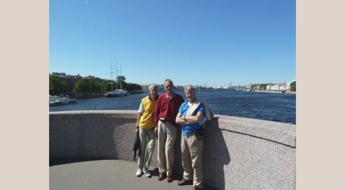 Paul, Koos and Romeo on the Neva bridge