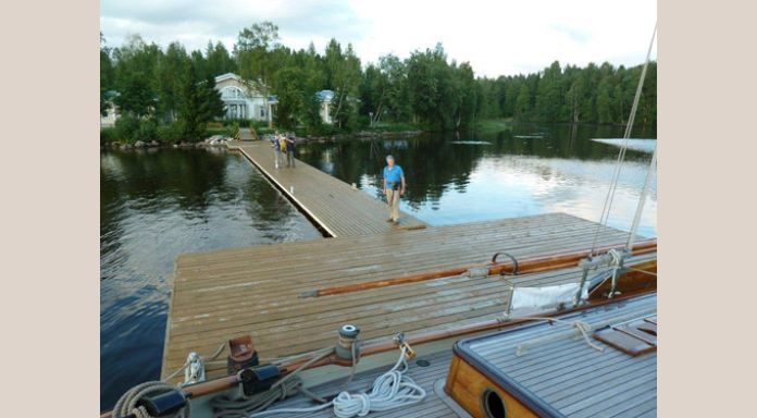 Only 't Gauwe Haentje is allowed to moor on Putin's datcha pier